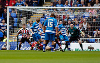 Photo: Leigh Quinnell.<br /> Reading v Sheffield United. Coca Cola Championship.<br /> 01/10/2005.Readings Brynjar Gunnarsson nets the first goal for Reading