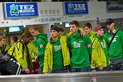 03.01.2011, Flughafen, Antalya, TUR, Ankunft Werder Bremen Trainingslager Belek Tuerkei 2011, im Bild  Warten auf die Koffer Keeper Tim Wiese ( Werder #01) Per Mertesacker ( Werder #29 ) Marko Arnautovic (Werder #07 ) Sebastian Prödl / Proedl ( Werder #15) Philipp Bargfrede ( Werder #44 ) Sandro Wagner ( Werder #19 )   EXPA Pictures © 2011, PhotoCredit: EXPA/ nph/  Kokenge       ****** out ouf GER ******