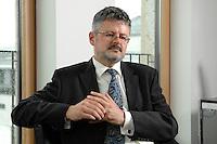 04 JUL 2007, BERLIN/GERMANY:<br /> Christopher Clark, Historiker, Professor fuer Neuere Europaeische Geschichte am St. Catharine's College, Cambridge, waehrend einem Interview, Hauptstadtbuero, Der Spiegel<br /> IMAGE: 20070704-01-043