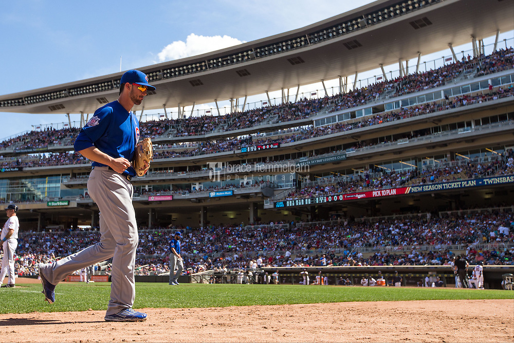 MINNEAPOLIS, MN- JUNE 21: Kris Bryant #17 of the Chicago Cubs looks on against the Minnesota Twins on June 21, 2015 at Target Field in Minneapolis, Minnesota. The Cubs defeated the Twins 8-0. (Photo by Brace Hemmelgarn) *** Local Caption *** Kris Bryant