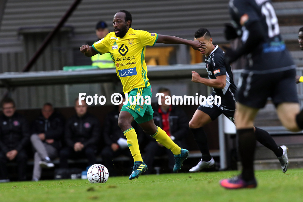 30.9.2017, Tammelan jalkapallostadion, Tampere<br /> Veikkausliiga 2017.<br /> Ilves - FC Lahti.<br /> Reuben Ayarna - Ilves