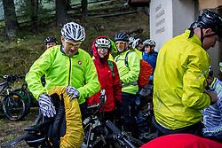 13-09-2017 SUI: BvdGF Tour du Mont Blanc day 5, Champex<br /> Deze etappe wordt volledig in Zwitserland verreden en bevat enkele mooie trails. We eindigen bergop waar er in Champex werd overnacht. Peter