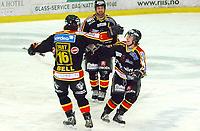 Hockey UPC-liga 3. finale TIK - VIF 3-1<br /> Jubel for scoring til 3-1 ved Lars Erik Spets<br /> Foto: Carl-Erik Eriksson, Digitalsport