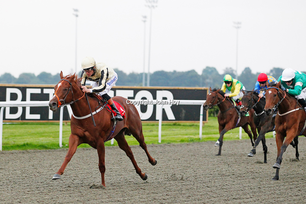 Champagne Sydney and Richard Hughes winning the 5.50 race
