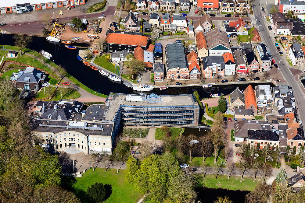 Nederland, Friesland, Gemeente Skarsterlan (Scharsterland), 01-05-2013; Joure, centrum met Gemeentehuis Herema State.<br /> Town hall of the city of Joure (Friesland) north of the Netherlands.<br /> luchtfoto (toeslag op standard tarieven)<br /> aerial photo (additional fee required)<br /> copyright foto/photo Siebe Swart