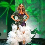 2009 Victoria's Secret Runway Event - NYC