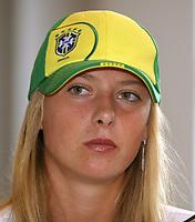 Tennis<br /> Foto: imago/Digitalsport<br /> NORWAY ONLY<br /> <br /> 26.05.2004 <br /> <br /> Maria Sharapova - Russland