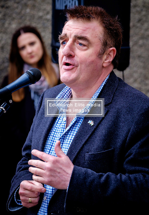 Lanark, Scotland, UK 20th August 2016   A march and ceremony to commemorate the death of Scottish Hero William Wallace (23rd August 1302) held on Saturday 20th August 2016.  Wallace has strong connections with the town of Lanark.  Tommy Sheppard MP addresses the crowd.  Sheppard is a candidate for the depute leadership of the Scottish National Party.<br /> <br /> (c) Andrew Wilson   Edinburgh Elite media
