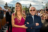 Charles Aznavour &amp; Valerie Fedele<br /> &quot;Il bel mondo&quot; de Belmondo au chateau de la Buzine, qui a appartenu a Marcel Pagnol&nbsp;<br />  <br /> A partir du 30&nbsp;juin, Marseille fete Jean-Paul Belmondo avec l&rsquo;exposition au chateau de la Buzine IUne invitation a decouvrir des photos issues de la collection personnelle de l&rsquo;acteur ainsi que des pieces liees aux roles qu&rsquo;il a tenus. JP Belmondo etait present pour le vernissage et le diner de gala organise en pr&eacute;sence de quelque uns de ses amis tels que Charles Aznavour, Charles Gerard, Robert Hossein, Candice Patou, Michele Mercier, Louis Acaries ou encore Antoine Dulery, Moussa Maaskri...La soiree etait animee par Valerie&nbsp;Fedele, directrice du lieu.