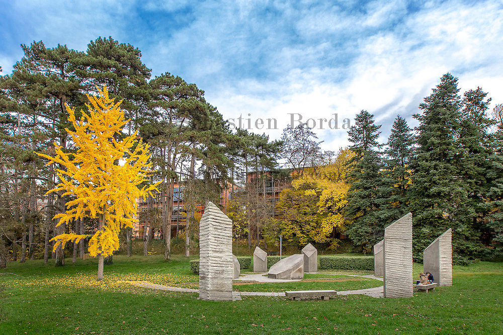 Espace des droits de l'homme dans le parc de la tête d'Or // Human rights monument in Parc de la Tête d'Or