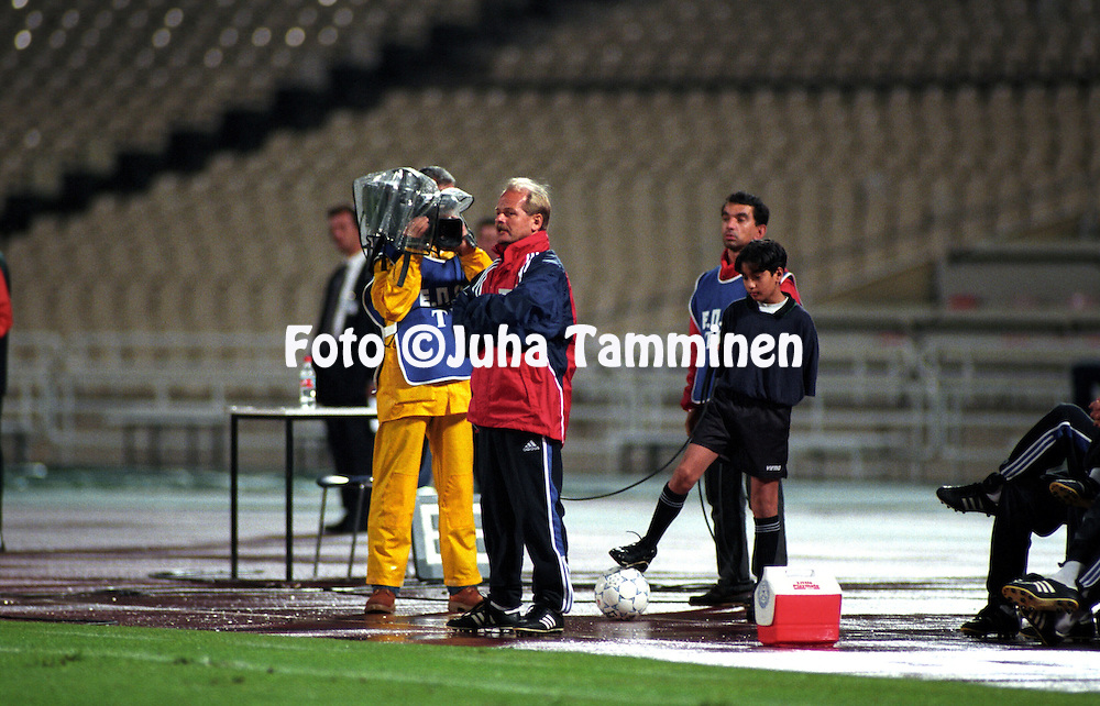 07.10.2000, Olympic Stadium, Athens, Greece. .FIFA World Cup Qualifying match, Greece v Finland. Coach Antti Muurinen - Finland.©JUHA TAMMINEN