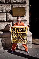 Roma 25 Giugno 2015<br /> Attivisti di Greenpeace hanno manifestato davanti al Ministero delle Politiche Agricole per fermare il saccheggio dei nostri mari. Gli attivisti travestiti da acciughe in scatola per denunciare il collasso delle popolazioni di acciughe da anni sottoposte a pesca intensiva.<br /> Rome June 25, 2015<br /> Greenpeace activists protested outside the Ministry of Agriculture to stop the looting of our seas. Activists dressed as canned anchovies denouncing the collapse of populations of anchovies for years subjected to intensive fishing.