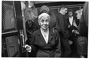 EVE ARNOLD, ED VICTOR PARTY, GROUCHO CLUB, SOHO, LONDON.  31 OCTOBER 1987., <br /> <br /> SUPPLIED FOR ONE-TIME USE ONLY> DO NOT ARCHIVE. © Copyright Photograph by Dafydd Jones 248 Clapham Rd.  London SW90PZ Tel 020 7820 0771 www.dafjones.com