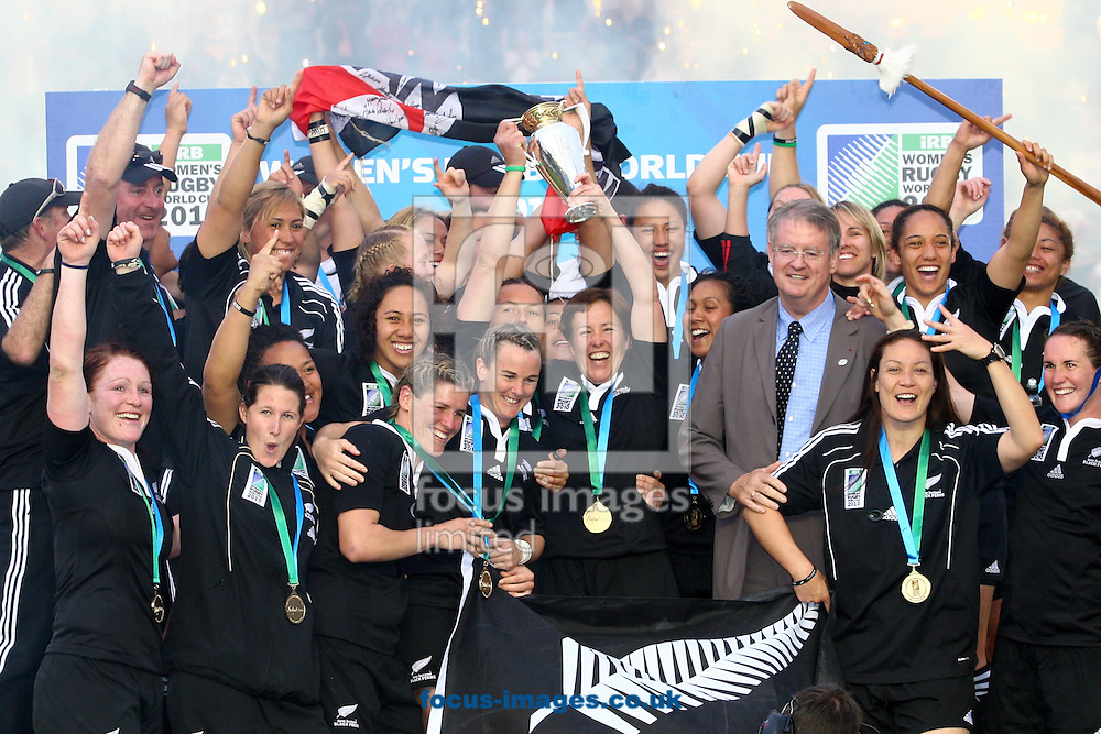 Twickenham Stoop, London, England - Sunday 9th September 2010: The New Zealand team lift the trophy after winning the IRB Womens Rugby World Cup Final between England and New Zealand 13-10 at The Stoop on September 9th 2010 (Photo by Andrew Tobin/Focus Images)