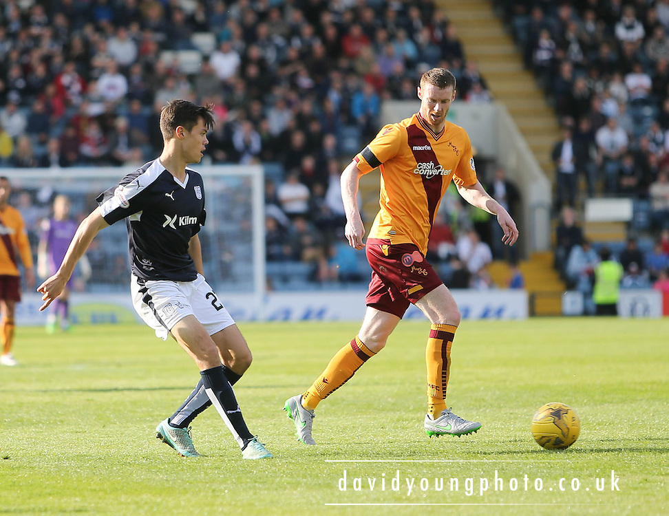 Dundee&rsquo;s Jesse Curran and Motherwell&rsquo;s Stephen Pearson - Dundee v Motherwell - Ladbrokes Premiership at Dens Park<br /> <br /> <br />  - &copy; David Young - www.davidyoungphoto.co.uk - email: davidyoungphoto@gmail.com