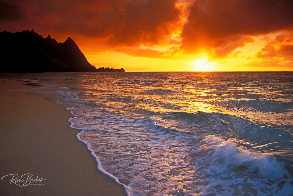 Sunset from Tunnels Beach, Na Pali Coast, Island of Kauai, Hawaii