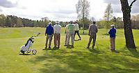 LOCHEM - Senioren op de tee,  Lochemse Golfclub De Graafschap. Foto KOEN SUYK
