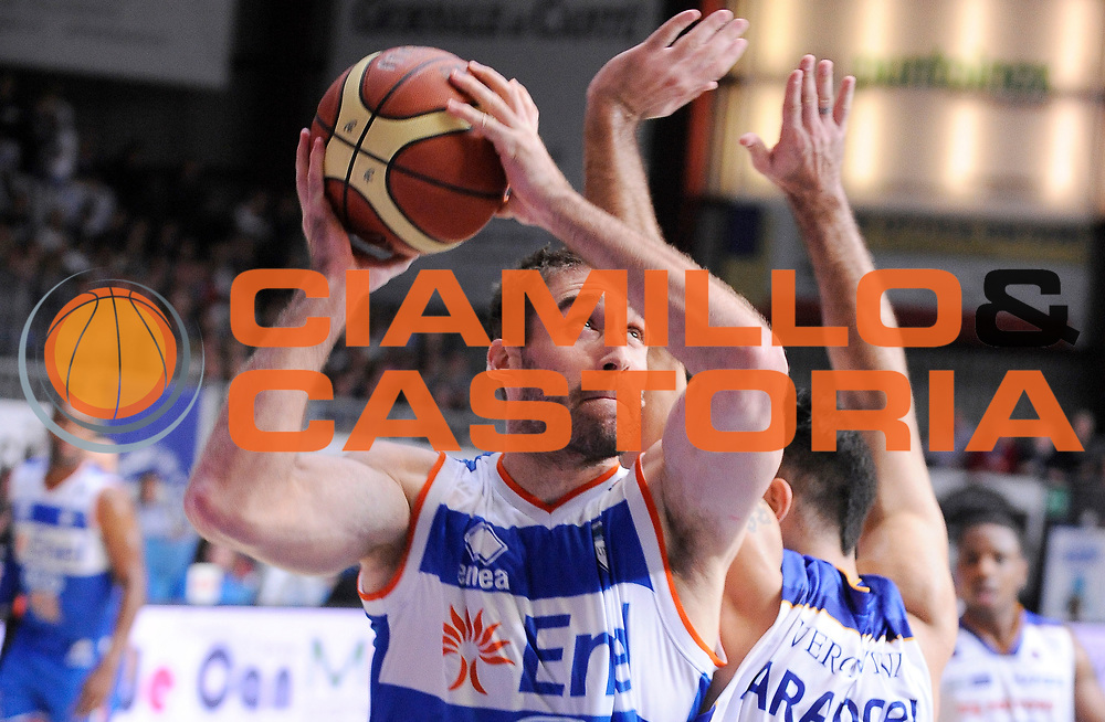 DESCRIZIONE : Cantu' Campionato Lega A 2013-14 Acqua Vitasnella Cantu' Enel Brindisi<br /> GIOCATORE : Davis Chiotti<br /> SQUADRA : Enel Brindisi<br /> EVENTO : Campionato Lega A 2013-14<br /> GARA :  Acqua Vitasnella Cantu' Enel Brindisi<br /> DATA : 16/03/2014<br /> CATEGORIA : Tiro penetrazione<br /> SPORT : Pallacanestro<br /> AUTORE : Agenzia Ciamillo-Castoria/A.Giberti<br /> Galleria : Campionato Lega Basket A 2013-14<br /> Fotonotizia : Cantu' Campionato Lega A 2013-14 Acqua Vitasnella Cantu' Enel Brindisi<br /> Predefinita :
