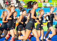 IO DE JANEIRO - Naomi van As (Ned)  , Caia van Maasakker, warming up voor  de finale tussen de dames van Nederland en  Groot-Brittannie in het Olympic Hockey Center tijdens de Olympische Spelen in Rio. COPYRIGHT KOEN SUYK