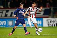 21-11-2015 VOETBAL:WILLEM II-PSV:TILBURG<br /> Gaston Pereiro van PSV in duel met Frank van der Struijk van Willem II <br /> <br /> Foto: Geert van Erven