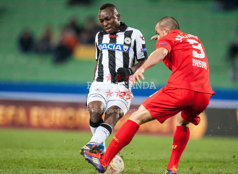 06.12.2012, Stadio Friuli, Udine, ITA, UEFA EL, Udinese Calcio vs FC Liverpool, Gruppe A, im Bild Pablo Armero (# 27, Udinese Calcio), Jose Enrique (# 03, Liverpool FC) // during the UEFA Europa League group A match between Udinese Calcio and Liverpool FC at the Stadio Friuli, Udinese, Italy on 2012/12/06. EXPA Pictures © 2012, PhotoCredit: EXPA/ Juergen Feichter