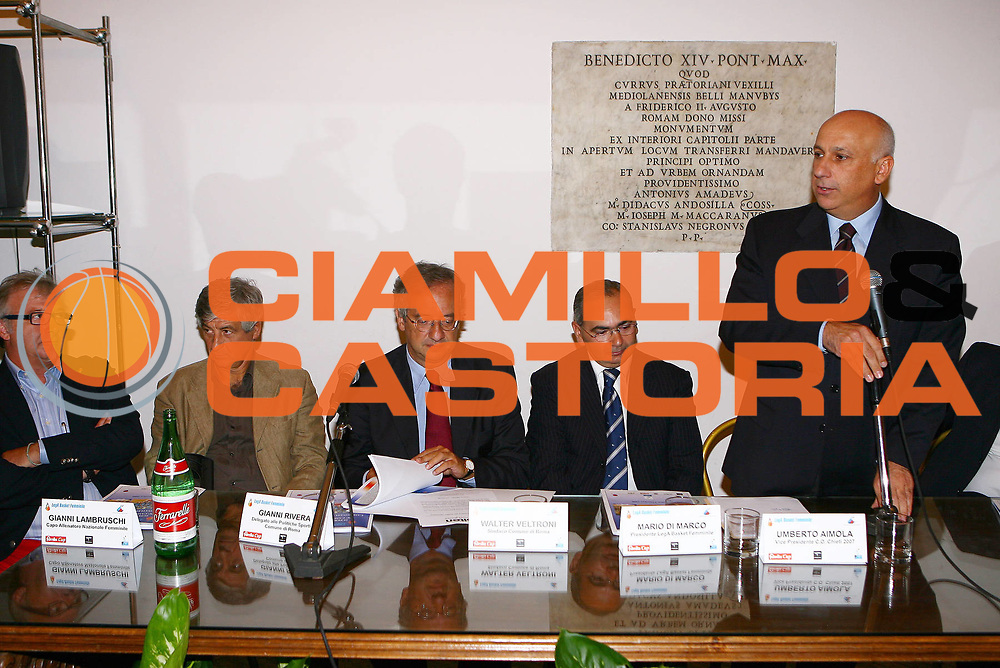 DESCRIZIONE : Roma Campidoglio Presentazione Campionato di Lega Basket Femminile 2006-2007<br /> GIOCATORE : Lambruschi Rivera Veltroni Di Marco Aimola<br /> SQUADRA : Lega Basket Femminile<br /> EVENTO : Roma Campidoglio Presentazione Campionato di Lega Basket Femminile 2006-2007<br /> GARA :<br /> DATA : 03/10/2006 <br /> CATEGORIA : <br /> SPORT : Pallacanestro <br /> AUTORE : Agenzia Ciamillo-Castoria/E.Castoria <br /> Galleria : Lega Basket A1 2006-2007<br /> Fotonotizia : Roma Campidoglio Presentazione Campionato di Lega Basket Femminile 2006-2007<br /> Predefinita :
