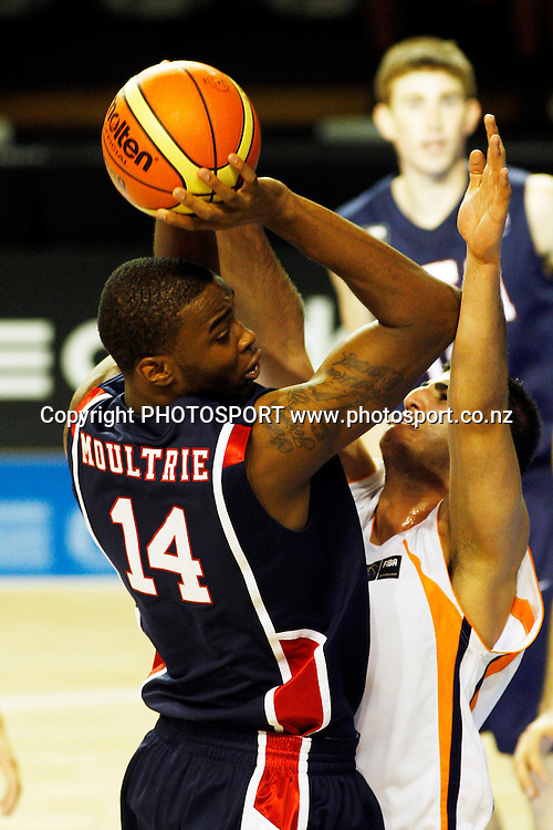 USA Forward Amell Moultrie shoots during the USA's 106-55 victory over Iran.<br />U19 Basketball World Championships, Iran v USA,North Shore Events Centre, Auckland. 2 July 2009. Photo: Andrew Cornaga/PHOTOSPORT