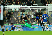 Dominic Calvert-Lewin (#9) of Everton scores Everton's second goal (1-2) during the Premier League match between Newcastle United and Everton at St. James's Park, Newcastle, England on 28 December 2019.