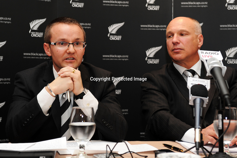 Mike Hesson (L) and NZC CEO David White, New Zealand Cricket press conference to announce Mike Hesson as the new coach of the New Zealand Black Caps cricket team. Pullman Hotel, Auckland. 20 July 2012. Photo: Andrew Cornaga/photosport.co.nz