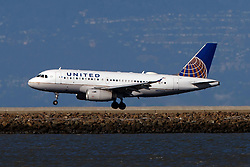 Airbus A319-132 (N896UA) operated by United Airlines landing at San Francisco International Airport (KSFO), San Francisco, California, United States of America
