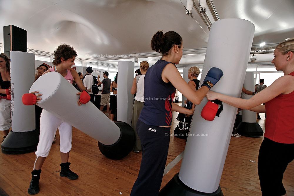 Italy, Florence, Fortezza da Basso, Fitfestival,  beat it stage, a mixture between kickbox and dance
