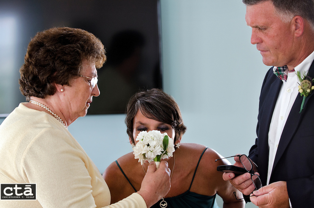 The wedding of Karen Cubbison and Craig Socie. Married June 2, 2012 in Stone Harbor, N.J. (Photo by Christopher T. Assaf/all rights reserved) #2136..©2012