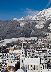19.01.2013, Schladming, AUT, FIS Weltmeisterschaften Ski Alpin, Schladming 2013, Vorberichte, im Bild die Bergstadt Schladming mit katholischer (links) und evangelischer Kirche vor dem Dachsteinmassiv am 19.01.2013 // the town of Schladming with catholic (left) and evangelical church in front of the Dachstein on 2013/01/19, preview to the FIS Alpine World Ski Championships 2013 at Schladming, Austria on 2013/01/19. EXPA Pictures © 2013, PhotoCredit: EXPA/ Martin Huber