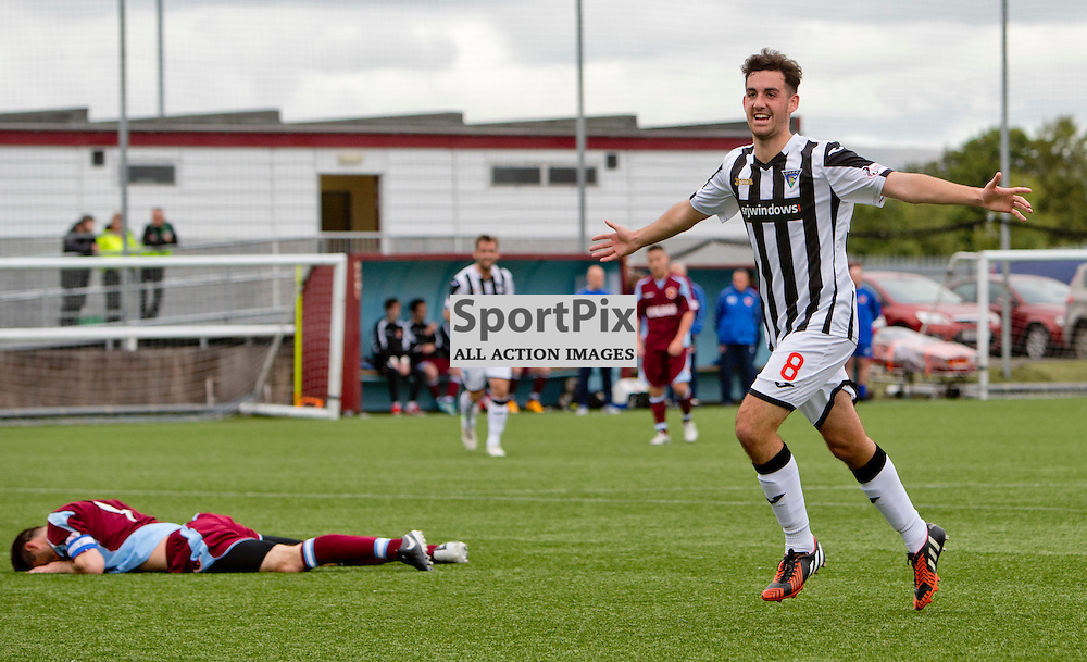 Stenhousemuir v Dunfermline Athletic SPFL League One Season 2015/16 Ochilview Park 19 September 2015<br /> Shaun Byrne makes it 3-0<br /> CRAIG BROWN | sportPix.org.uk