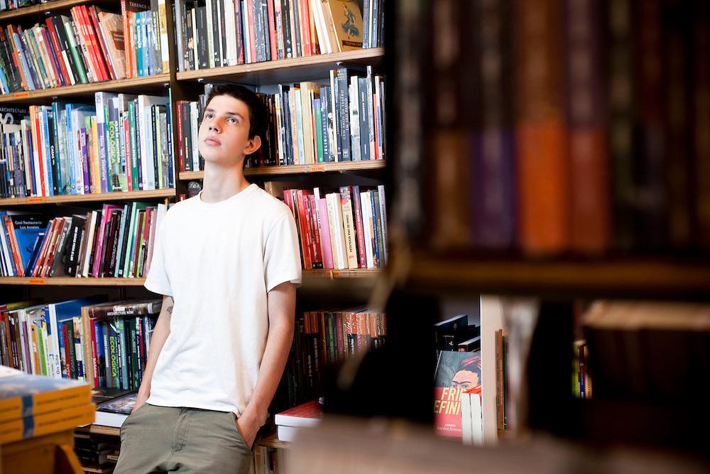 Belo Horizonte_MG, Brasil.<br /> <br /> Na foto, o jovem escritor Ciro Trevisan, 17 anos. Autor do livro Devenir.<br /> <br /> In the photo, the young writer Ciro Trevisan.  He is author of the book Devenir.<br /> <br /> Foto: NIDIN SANCHES / NITRO