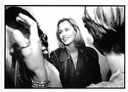 Lauren Hutton at a private view in New York. 1995. © Copyright Photograph by Dafydd Jones 66 Stockwell Park Rd. London SW9 0DA Tel 020 7733 0108 www.dafjones.com