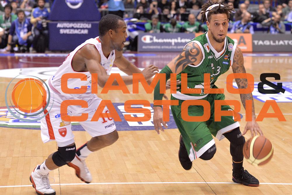 DESCRIZIONE : Milano Coppa Italia Final Eight 2013 Finale Cimberio Varese Montepaschi Siena<br /> GIOCATORE : Daniel Hackett<br /> CATEGORIA : palleggio penetrazione sequenza<br /> SQUADRA : Montepaschi Siena<br /> EVENTO : Beko Coppa Italia Final Eight 2013<br /> GARA : Cimberio Varese Montepaschi Siena<br /> DATA : 10/02/2013<br /> SPORT : Pallacanestro<br /> AUTORE : Agenzia Ciamillo-Castoria/GiulioCiamillo<br /> Galleria : Lega Basket Final Eight Coppa Italia 2013<br /> Fotonotizia : Milano Coppa Italia Final Eight 2013 Finale Cimberio Varese Montepaschi Siena<br /> Predefinita :
