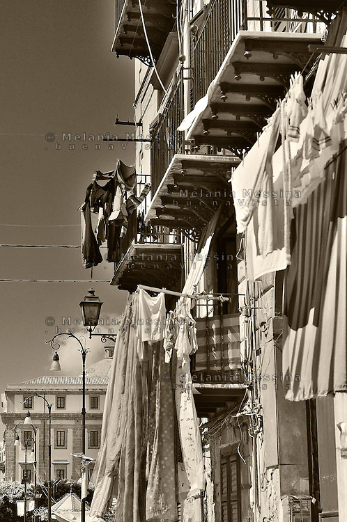 Palermo, hanging clothes in the alley, Kalsa neighborood.<br /> Palermo, panni stesi nel quartiere Kalsa