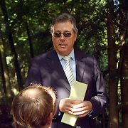 NLD/Wassenaar/20050717 - Fotosessie prins Willem - Alexander, prinses Maxima, Amalia en Alexia, RVD directeur Gerard van der Wulp.Rijks Voorlichtingsdienst