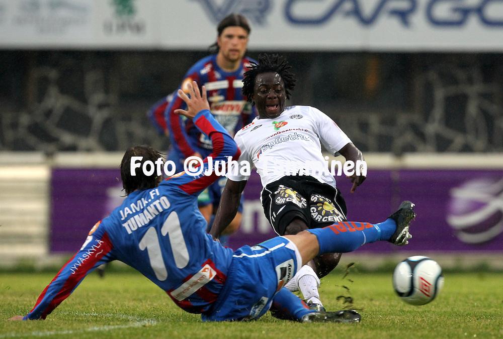 15.7.2011, Tehtaan kentt?, Valkeakoski..Veikkausliiga 2011, FC Haka - JJK Jyv?skyl?..Mohamed Koroma - Haka..