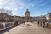 Vue de l'Institut de France depuis le pont des Arts // Institut de France from Pont des Arts.