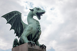 THEMENBILD - Das Wappentier der Slowenischen Hauptstadt Laibach, ein Drache, am 30. April 2017 auf der Drachenbrücke // THEMES PICTURE - The sign of the Slovenian capitol Ljubljana, a dragon, is seen on the Dragon's Bridge on 30 April 2017. EXPA Pictures © 2017, PhotoCredit: EXPA/ Erwin Scheriau