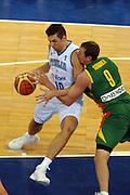 DESCRIZIONE : Madrid Spagna Spain Eurobasket Men 2007 Qualifying Round Italia Lituania Italy Lithuania<br /> GIOCATORE : Andrea Bargnani<br /> SQUADRA : Italia Italy<br /> EVENTO : Eurobasket Men 2007 Campionati Europei Uomini 2007<br /> GARA : Italia Italy Lituania Lithuania<br /> DATA : 08/09/2007<br /> CATEGORIA : Penetrazione<br /> SPORT : Pallacanestro<br /> AUTORE : Ciamillo&amp;Castoria/N.Parausic