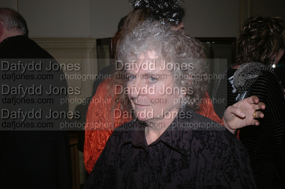 Maggi Hambling.  Annabel Freyberg and Andrew Barrow drinks party. The Royal Geographical Society. 5 January 2006. ONE TIME USE ONLY - DO NOT ARCHIVE  © Copyright Photograph by Dafydd Jones 66 Stockwell Park Rd. London SW9 0DA Tel 020 7733 0108 www.dafjones.com