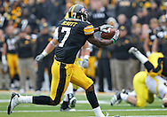 November 05, 2011: Iowa Hawkeyes wide receiver Marvin McNutt (7) pulls in a pass during the first quarter of the NCAA football game between the Michigan Wolverines and the Iowa Hawkeyes at Kinnick Stadium in Iowa City, Iowa on Saturday, November 5, 2011. Iowa defeated Michigan 24-16.