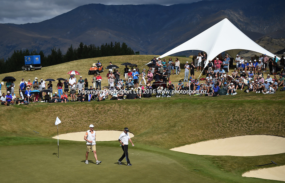 New Zealand's Steven Alker leaves the 10th green during round 4 at The Hills during 2016 BMW ISPS Handa New Zealand Open. Sunday 13 March 2016. Arrowtown, New Zealand. Copyright photo: Andrew Cornaga / www.photosport.nz