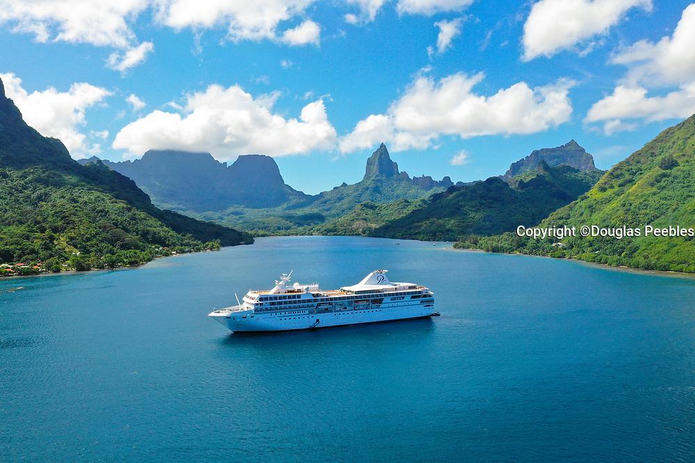 Paul Gauin Cruise ship, Opunohu Bay, Moorea, Society Islands, French Polynesia; South Pacific