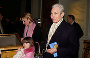 Charlie Watts with his daughter Seraphina and granddaughter, Charlotte. Private view of 'Heaven on Earth' exhibition. Hermitage. Somerset House. 24 March 2004. ONE TIME USE ONLY - DO NOT ARCHIVE  © Copyright Photograph by Dafydd Jones 66 Stockwell Park Rd. London SW9 0DA Tel 020 7733 0108 www.dafjones.com