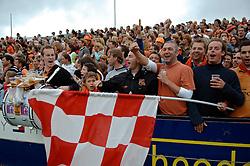 05-06-2005 HOCKEY: FINALE PLAYOFFS: BLOEMENDAAL-ORANJE ZWART: BLOEMENDAAL<br /> De hockeyers van Oranje Zwart zijn voor het eerst in hun bestaan landskampioen geworden. De Eindhovense club klopte Bloemendaal in het beslissende play-off-duel met 3-1 / <br /> Support<br /> ©2005-WWW.FOTOHOOGENDOORN.NL