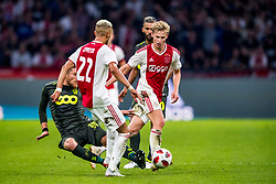 14-08-2018 NED: Champions League AFC Ajax - Standard de Liege, Amsterdam<br /> Third Qualifying Round,  3-0 victory Ajax during the UEFA Champions League match between Ajax v Standard Luik at the Johan Cruijff Arena / Frenkie de Jong #21 of Ajax